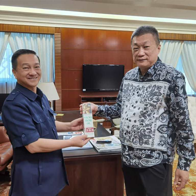 Deputy Minister of Plantations, Industry and Commodities, Dato' Sri Dr. Wee Jeck Seng